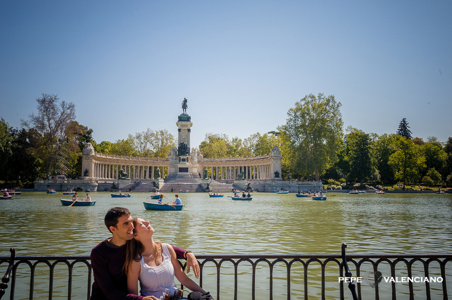 Preboda en parque del retiro fot grafo de bodas madrid for Parque del retiro barcas
